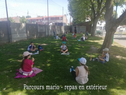 PARCOURS MARIO photo 2 REPAS EN EXT